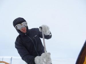 Iceland - Sprengisandur route ice gloves Ortovox mitts RS