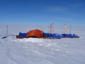 Greenland crossing expedition - emergency tarp example RS