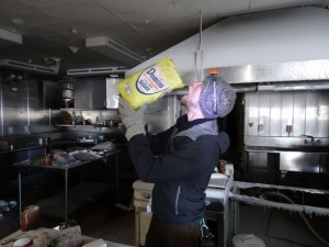 Greenland crossing expedition - Dye 2 station kitchen RS